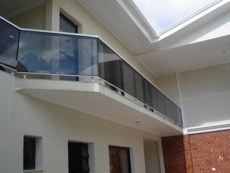 Fechamento de Sacada com Vidro Preço na Vila Esperança - Fechamento de Sacadas com Vidro