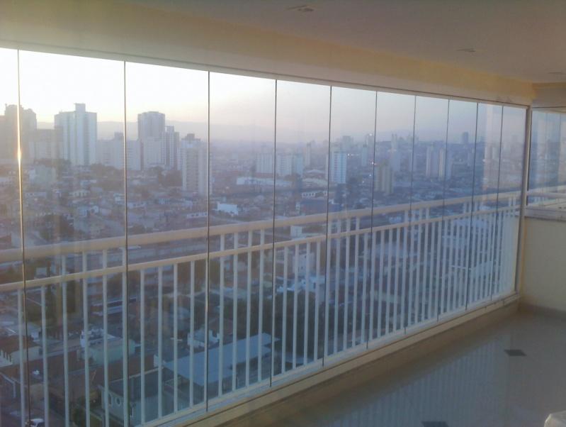 Fechamento de Sacada em Vidro Preços em São Miguel Paulista - Fechamento de Sacadas em São Caetano