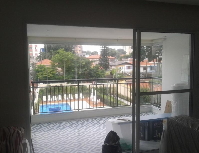 Fechamento de Sacadas com Vidro Preço na República - Fechamento de Sacada em Vidro