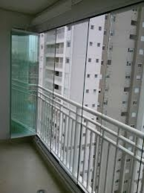 Fechamento de Sacadas Preço na Vila Matilde - Fechamento de Sacada com Vidro