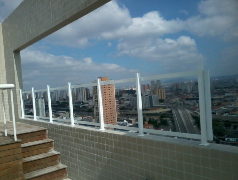 Fechamentos de Sacadas no Pari - Fechamento Sacada com Vidro