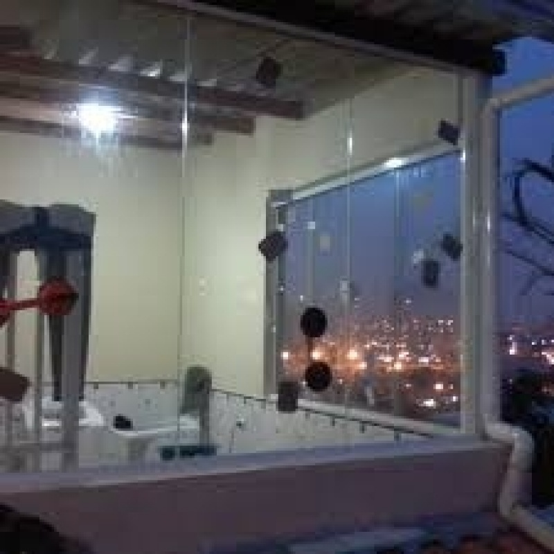 Sacada em Vidro Preço na Água Branca - Fechar Sacada com Vidro