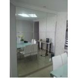 Decoração com espelhos na Vila Formosa