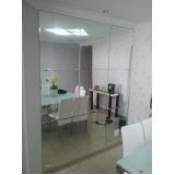 Espelho de parede na Penha