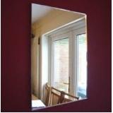 Espelho decorativo na Casa Verde