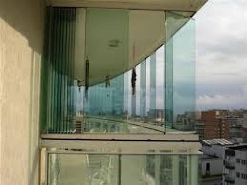 Vidro Fechamento de Sacada Valor na Vila Prudente - Fechamento de Sacadas em Santo André